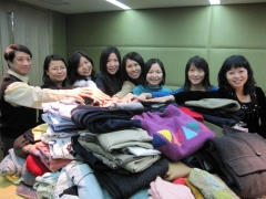"New World Group organizes ""Warmth Delivery"" activity"
